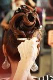 Haar stylist's hand stock afbeeldingen