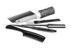 De de vastgestelde schaar en haarborstels van de kapper royalty vrije stock afbeelding - Witte kapper ...