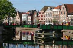 Haarlem bulwar na słonecznym dniu z widokiem mosta Zdjęcie Royalty Free