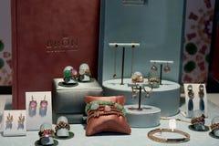 Haarlem, los Países Bajos - 6 de octubre de 2018: Bron Jewelry exclusivo foto de archivo libre de regalías