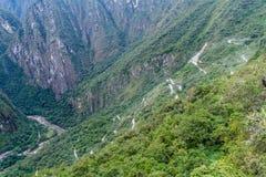 Haarnadeln schaltet eine Straße zu Ruinen Machu Picchu, PET ein stockfotografie