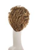 Haarperücke über dem Mannequinkopf Lizenzfreie Stockfotos