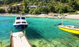 Haarscharfes adriatisches Meer auf Peljesac-Halbinsel in Dalmatien, Kroatien Stockfotografie