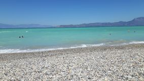 Haarscharfes Wasser am Feiertag herein nahe von Athene stockfotografie
