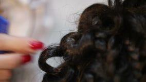 Haarspeldjes in haar stock videobeelden