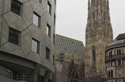 Haas Haus building and Stephansdom cathedral in Vienna Stock Photos