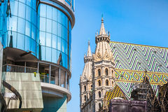 Haas Haus with St. Stephen's Cathedral at Stephansplatz in Vienn Stock Photos