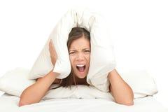 hałas łóżkowa śmieszna kobieta Zdjęcia Royalty Free