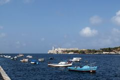 Habana: opinião do farol e da baía imagens de stock