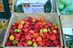 Habanero chillis für Verkauf Naschmarkt Wien Lizenzfreie Stockbilder