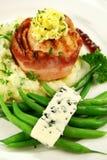 Habas del queso verde con el Mignon del pollo Fotos de archivo libres de regalías