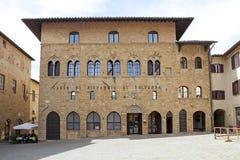 Haben Sie in der historischen Mitte von Volterra, Toskana, Italien ein Bankkonto Lizenzfreies Stockbild
