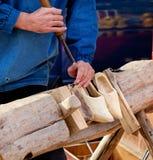 Habilidade tradicional das sapatas de fazer o Dutch Fotografia de Stock Royalty Free