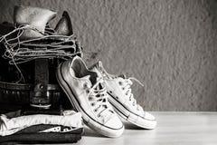 Habillement avec noir et blanc Photographie stock libre de droits