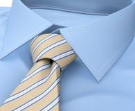 Habillement de chemise d'hommes avec le lien d'isolement sur le blanc Image stock