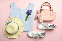 Habillement et accessoires du ` s de femmes Images stock