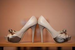 Habillement et chaussures pour des mariages Photo stock