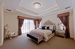 Habitación de dormitorio hermosa del Viejo Mundo Imagenes de archivo