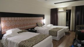 habitación de hotel de lujo de cinco estrellas imagen de archivo