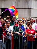Habitants de New York, Etats-Unis dans le défilé gai de New York photographie stock
