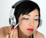 Hacer maquillaje Fotografía de archivo libre de regalías