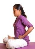 Hacer yoga Fotos de archivo libres de regalías