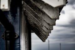 Haces de ayuda resistidos de madera de tejado foto de archivo libre de regalías