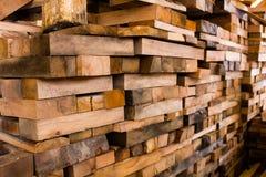 Haces de madera del edificio Fotos de archivo libres de regalías