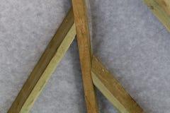 Haces de tejado de madera con la membrana fotos de archivo libres de regalías