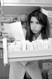 Hacia fuera subrayado farmacéutico en el trabajo Imagen de archivo