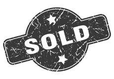 Hacia fuera vendido sello del grunge stock de ilustración