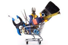 Haciendo compras algunas herramientas de la construcción Imagen de archivo libre de regalías