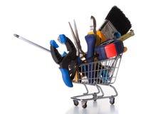 Haciendo compras algunas herramientas de la construcción Fotos de archivo libres de regalías
