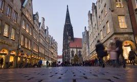 Haciendo compras en Munster, Alemania Fotos de archivo libres de regalías