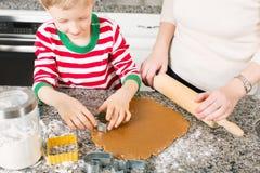 Haciendo las galletas en casa Foto de archivo