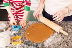 Haciendo las galletas en casa Fotografía de archivo