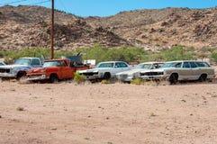 Hackberry Arizona, USA - Juni 19, 2014: Den gamla bensinstationen och shoppar med tappningbilar på Route 66 Royaltyfria Foton