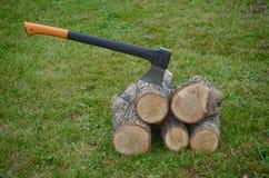 Hacken des Holzes Herbst Stockfotografie