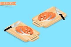 Hacken, Schneidebrett mit zwei Stücken Lachsfischsteak und Messer Delikatessenabendessenvorbereiten Lizenzfreie Stockfotos