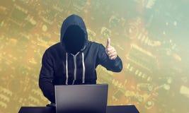 Hacker bei der Arbeit Stockbild