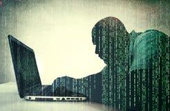 Hacker in der Aktion stockfotografie