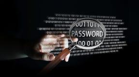 Hacker, der digitale Lupe verwendet, um Passwort 3D zu finden zu übertragen Lizenzfreies Stockbild