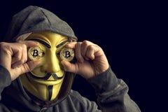 Hacker e bitcoin Fotos de Stock Royalty Free