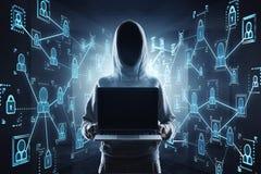 Hacker e portátil vazio Fotografia de Stock