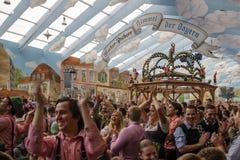 Hacker Festzelt em Oktoberfest em Munich, Alemanha, 2015 Imagens de Stock