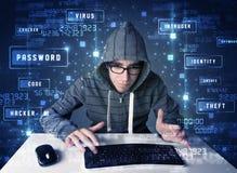 Hacker programuje w technologii środowisku z cyber ikonami obraz stock