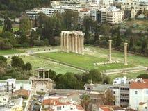 Hadrian奥林山宙斯曲拱和寺庙如被看见从Areopagus小山或火星小山,雅典 库存图片