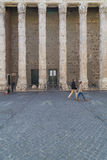 Hadrian寺庙在罗马 免版税库存照片