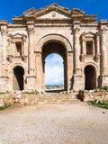 Hadrian曲拱在杰拉什古老Gerasa镇 库存照片