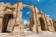 Hadrian曲拱在Jeras 免版税库存照片